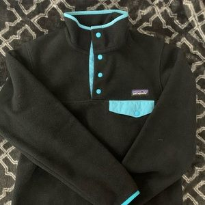 Black Patagonia synchilla fleece pullover snap-t